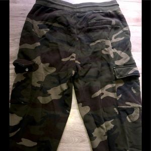 Never wore joggars/sweats with draw string